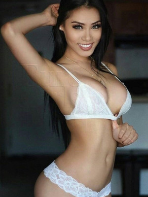 Girl Escort Adrianna & Call Girl in Subang Jaya